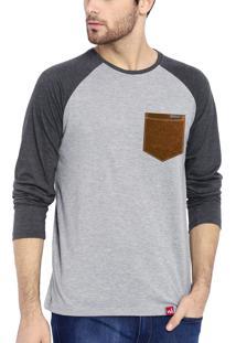 Camiseta Manga Longa Wevans Bolso Aplique Couro Cinza