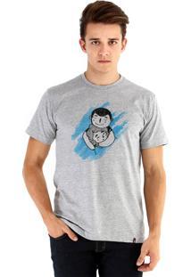 Camiseta Ouroboros Abraço De Urso Cinza