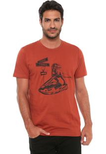 Camiseta Colcci Strange Times Caramelo