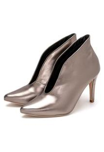 Sapato Feminino Scarpin Abotinado Salto Alto Fino Em Metalizado Onix