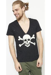 Camiseta Em Boton㪠Caveira- Preta & Branca - ÊNfaseãŠNfase