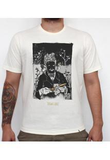 Mr. Knieves - Camiseta Clássica Masculina