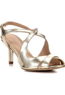Sandália Shoestock Metalizada Salto Médio Tiras Feminina - Feminino-Dourado