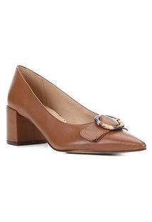 Scarpin Couro Shoestock Salto Médio Fivela Snake