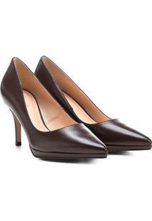Scarpin Couro Shoestock Salto Alto Bico Fino - Feminino-Café