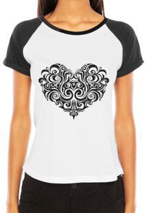 Camiseta Raglan Criativa Urbana Coraçáo Tribal Desenho Tattoo - Tricae