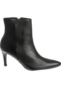Ankle Boot Preta Clássica Bico Fino