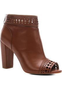Ankle Boot Couro Shoestock Laser Feminina - Feminino-Caramelo