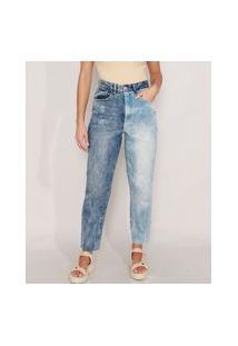Calça Mom Jeans Marmorizada Com Lavagem Contrastante Cintura Super Alta Azul Médio
