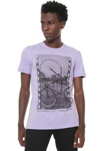 Camiseta Triton Estampada Lilás
