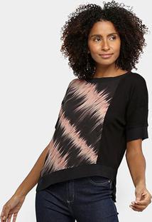 Camiseta Acostamento Assimétrica Estampada Feminina - Feminino-Preto