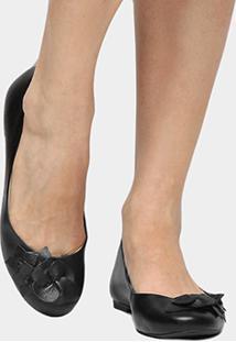 Sapatilha Couro Shoestock Flor Feminina - Feminino-Preto