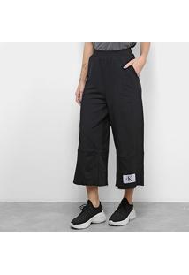 Calça Calvin Klein Pantacourt Etiqueta Logo Feminina - Feminino-Preto