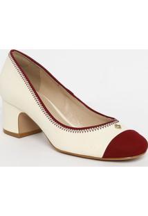 Sapato Tradicional Em Couro Com Tag & Recortes- Off Whitcapodarte