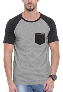 Camiseta Raglan Wevans Bolso Aplique Couro Preto Cinza
