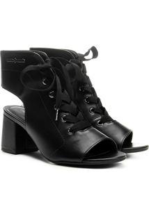 Ankle Boot Cravo & Canela Cadarço Cetim Salto Bloco - Feminino-Preto