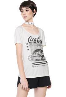Camiseta Coca-Cola Jeans Choker Ilhoses Off-White