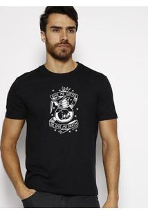 "Camiseta ""Caveira""- Preta & Branca- Guessguess"