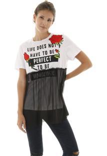Camiseta Malha Com Silk E Aplicação De Flores E Sobreposição