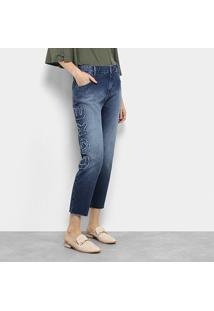 e652330b0 ... Calça Jeans Coca-Cocla Capri Girlfriend Estonada Bordada Cintura Alta  Feminina - Feminino-Azul