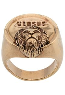 Versus Embossed Chunky Ring - Dourado