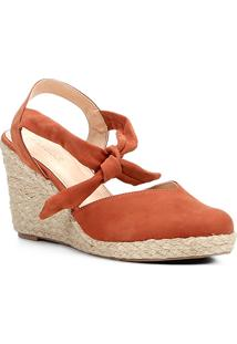 Sandália Anabela Couro Shoestock High Vamp Feminina - Feminino-Marrom