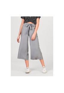 Calça Feminina Pantacourt Em Tecido De Liocel Com Bolso