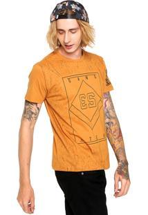 Camiseta Gangster Estampada Caramelo