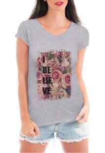 Camiseta Criativa Urbana Believe Flowers - Feminino-Cinza