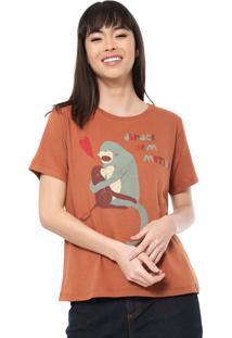Camiseta Cantão Hugs Caramelo