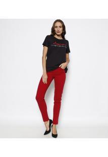"""Camiseta """"Otimismo"""" - Preta & Vermelhaforum"""