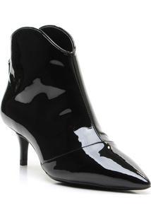 Ankle Boot Com Recorte - Preta- Salto: 5,5Cm - Vvicenza