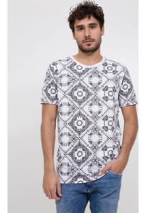 Camiseta Estampada Lenço