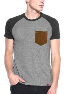 Camiseta Manga Curta Wevans Bolso Aplique Couro - Masculino