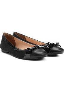 Sapatilha Couro Shoestock Feminina - Feminino-Preto