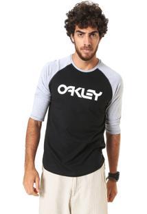 Camiseta Oakley Raglan Preta/Cinza