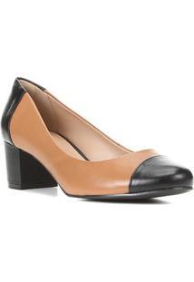 Scarpin Couro Shoestock Salto Médio Classic - Feminino-Caramelo+Preto