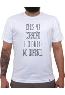 Deus No Coração - Camiseta Clássica Masculina