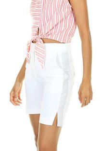 Bermuda Lisa Cintura Alta Com Bolso E Fenda Na Lateral E Botão Na Vista