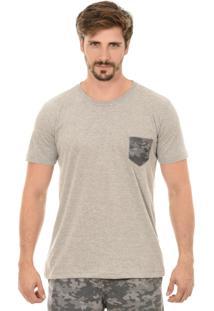 T-Shirt Bypride Bolso Camuflada Cinza