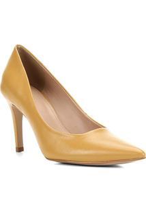 Scarpin Couro Shoestock Liso Salto Alto - Feminino-Mostarda
