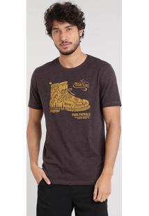 """Camiseta Masculina """"The Mountains"""" Manga Curta Gola Careca Marrom"""