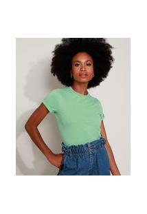 Camiseta Feminina Básica Com Bordado Manga Curta Decote Redondo Verde Claro