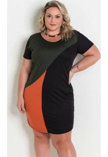 Vestido Preto Com Recortes Contrastantes Plus Size