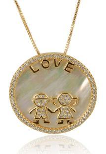 Colar Medalha Love De Menina E Menino Em Madrepérola Com Micro Zircônias Brancas