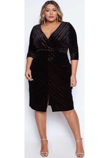 Vestido Almaria Plus Size Pianeta Curto Veludo Com