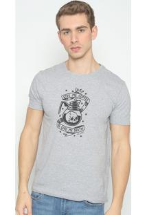 "Camiseta ""Caveira""- Cinza & Preta- Guessguess"