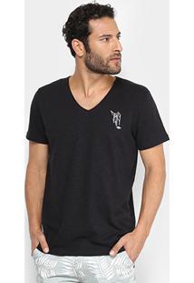Camiseta Triton Estampa Masculina - Masculino-Preto