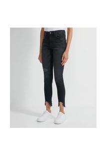 Calça Skinny Jeans Com Puídos E Barra Desfiada