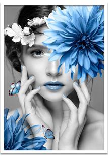Quadro 60X90Cm Judith Mulher Com Flor Azul Nórdico Moldura Branca Com Vidro